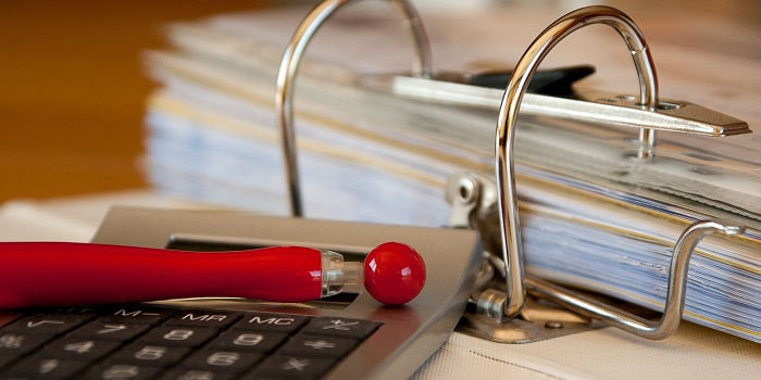 Bookkeeping: should you keep it to yourself or hire a professional